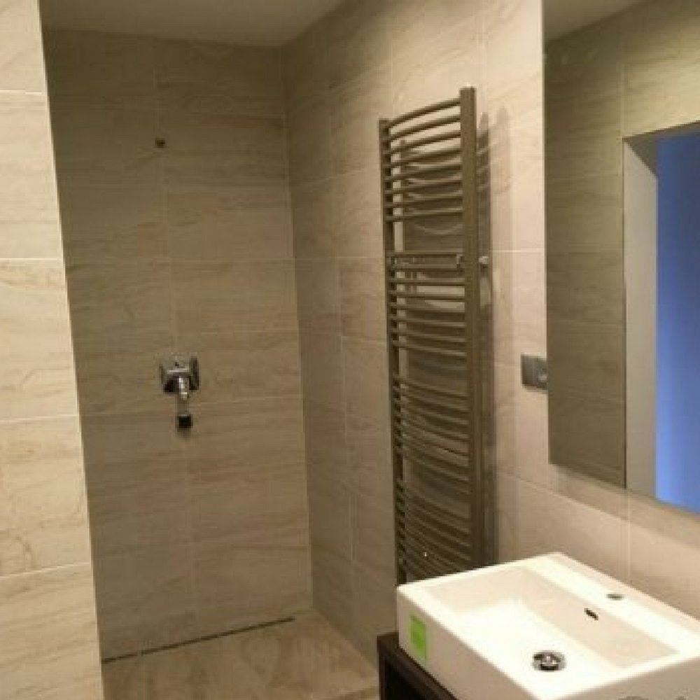granitna plo ica mat obrada izgled kamena be boje retificirana r9 protivkliznost 10mm. Black Bedroom Furniture Sets. Home Design Ideas