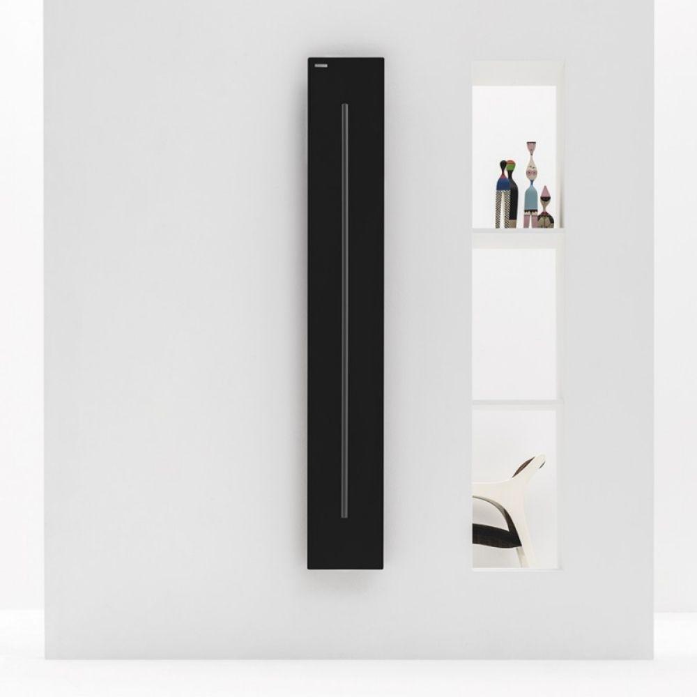 Radijator Teso V 150X25, boja mat crna, Antrax 1